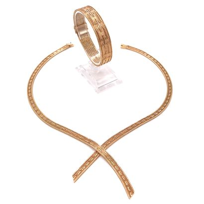 ENSEMBLE comprenant un bracelet et un collier...
