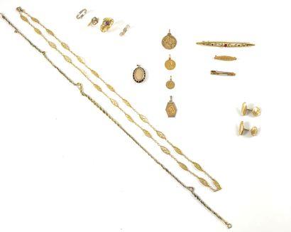 ENSEMBLE DE BIJOUX comprenant : - Un collier...