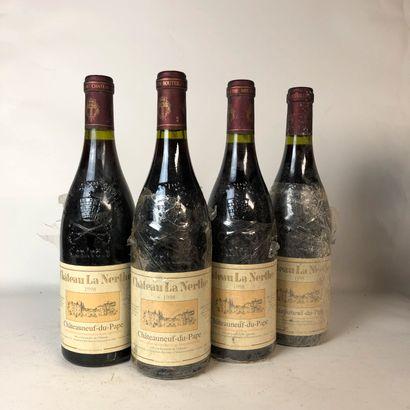 4 bouteilles CHÂTEAUNEUF DU PAPE 1998 Château...