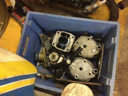 PERNOD 250 GRAND PRIX Moteur n° 5F7-01023  Moto démontée, incomplète    Cette Pernod...