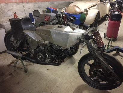 1979 BUT 350 Numéro 01  Moto à restaurer, complète à 90%    D'après M. Eric Offenstadt...