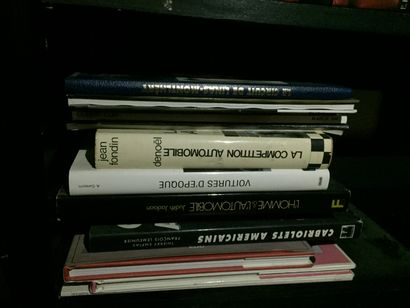 COLLECTION DE LIVRES on circuits and car brands