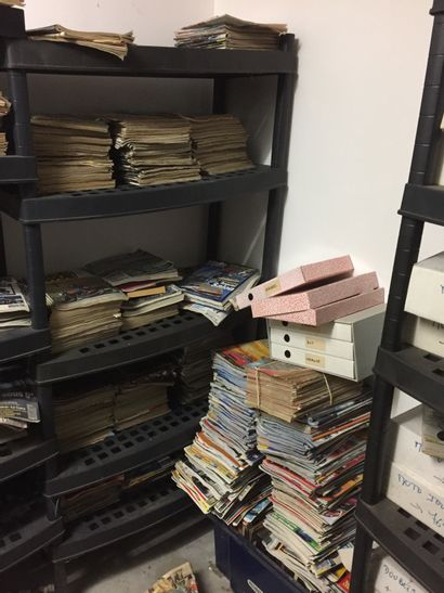LOT DE MAGAZINES Pièce comprenant un fort lot de revues et magazines : La vie de...