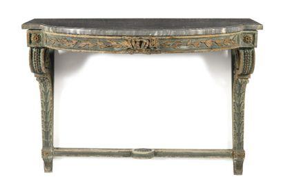 CONSOLE en bois peint et doré, la ceinture saillante à décor de feuillages et rubans,...