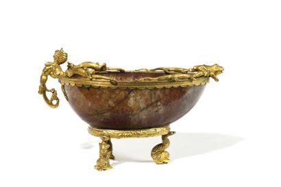 BELLE COUPE EN JASPE MONTEE en bronze doré...