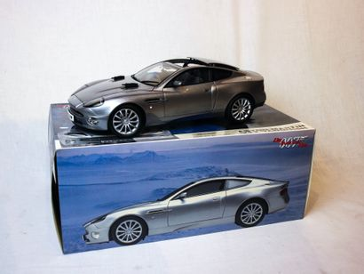 Aston Martin V12 Vanquish- James Bond 007....