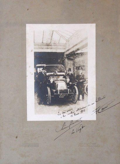 Photo dédicacée des trois créateurs des Automobiles...