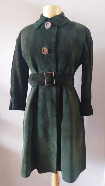 HERMES SPORT  Manteau long en daim vert anglais...