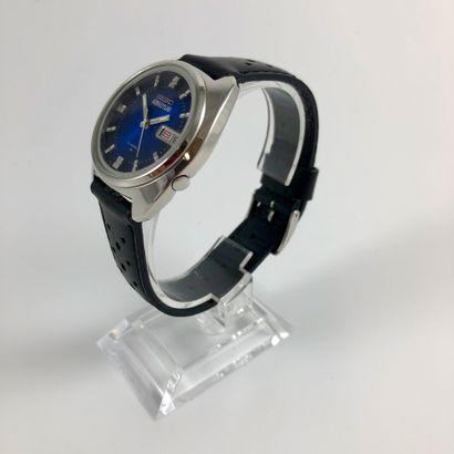 SEIKO 5  Réf : 4n4091  Belle montre en acier équipé d'un mouvement mécanique à remontage...