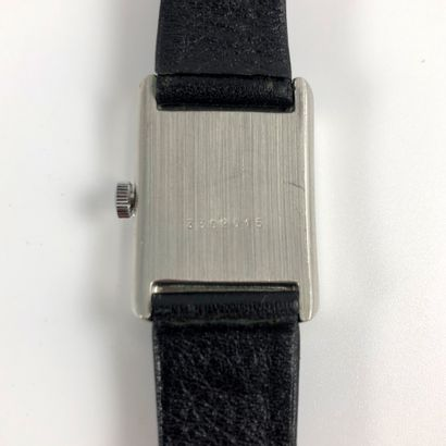 LONGINES Comet Vers 1980. Réf : 3302015. Montre bracelet en acier, boitier type...