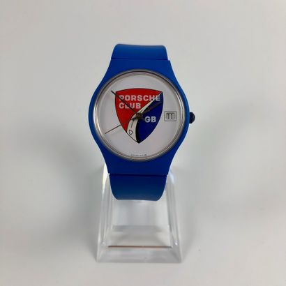 PORSCHE CLUB GB. Montre en plastique bleu,...