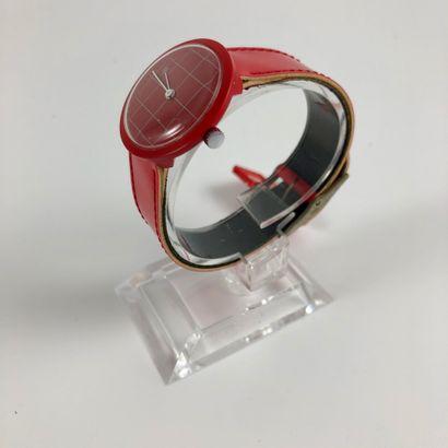 LIP Michel Boyer Vers 1976. Réf: 301XXX. Montre bracelet en plastique, boitier rond,...