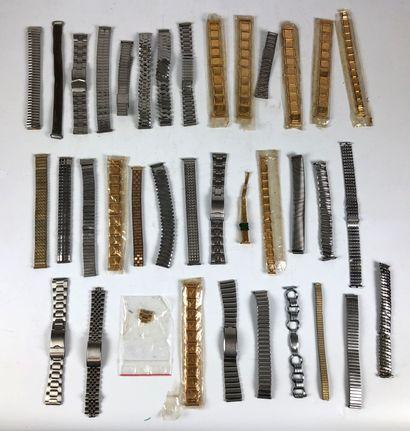 Lot de bracelets anciens