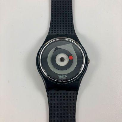 """SWATCH  Vers 1995.  Réf: GZ146.  Montre bracelet modèle """"Point of Vue - Swatch Collector's""""...."""