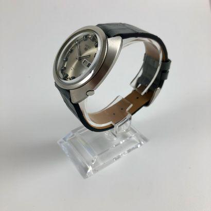 SEIKO 5  Ref : 5126  Belle montre en acier équipé d'un mouvement mécanique à remontage...