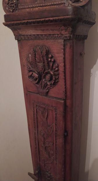 RÉGULATEUR DE PARQUET en chêne sculpté de pampre de vigne d'un panier fleuri à la...