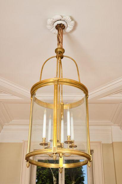 GRANDE LANTERNE cylindrique en bronze doré...