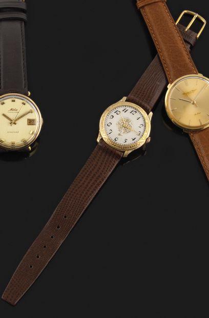BENRUS Vers 1940. Réf : 6519075. Montre bracelet...