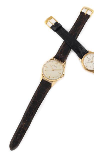 DOXA Anti-Magnétique. Vers 1960. Montre bracelet...