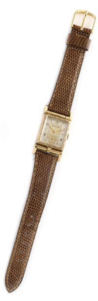 BULOVA Vers 1940. Réf : 3095854. Montre bracelet...