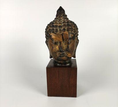 CHINE Belle Tête de Bouddha en bronze ciselé...