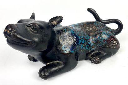JAPON Rat Bronze cloisonné Fin XIXe siècle 9 x 21 cm (manque à un pied)