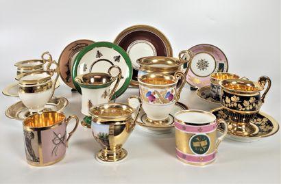 PARIS et divers Collection de dix tasses...