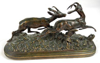 Isidore BONHEUR (1827-1901) D'après Groupe de cervidés Bronze signé sur la terrasse...