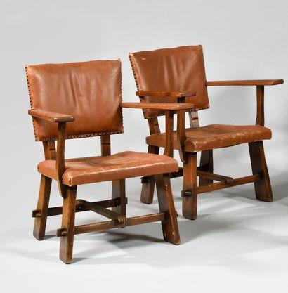 ARTIFORT Editeur Paire de fauteuils en chêne,...