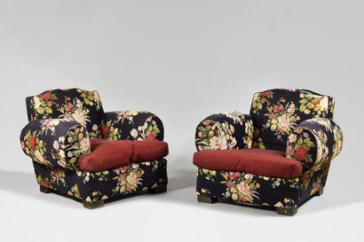 TRAVAIL DES ANNEES 1940 Paire de fauteuils...