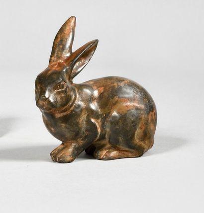 PIERRE CHENET (XXe) Lapin Bronze à patine...