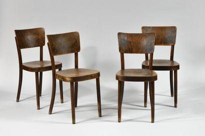 THONET, Après 1922 Quatre chaises à structure...