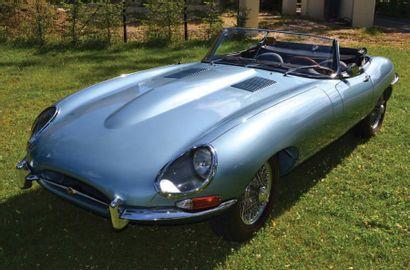 1964 JAGUAR Type E 3,8 L Cabriolet Chassis n¡ 880869 120 000 C'est lors du salon...