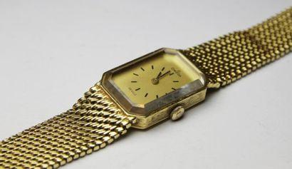OMEGA MONTRE DE DAME en or, le bracelet a...