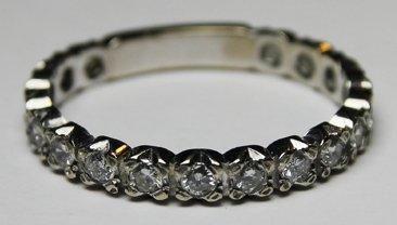 ALLIANCE en or gris sertie de diamants de...