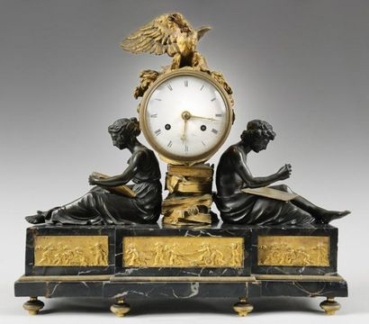 (*)PENDULE DITES «DES MARÉCHAUX» En bronze...