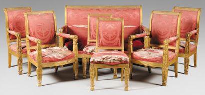 Beau mobilier de salon composé de d'une suite...