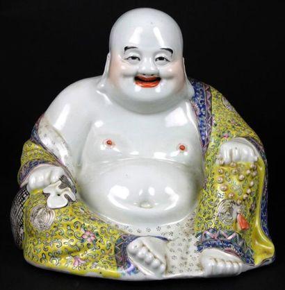 CHINE Bouddha assis en porcelaine polychrome Fin XIXème siècle 24 x 26 x 18 cm