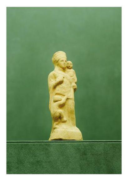 Époque Gréco-romaine. GROUPE: FEMME et DEUX...