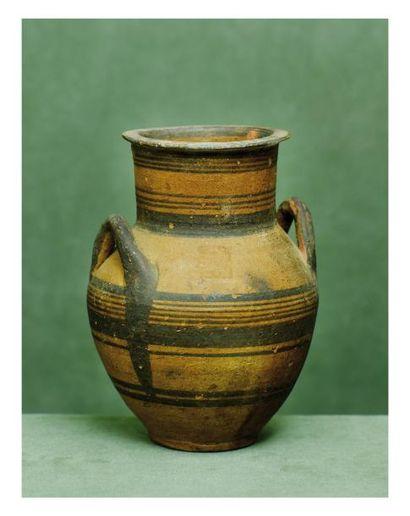 Chypre, VIème siècle avant J.-C. VASE à anses...