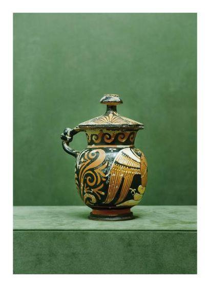 Apulie, IVème siècle avant J.-C. POT COUVERT...
