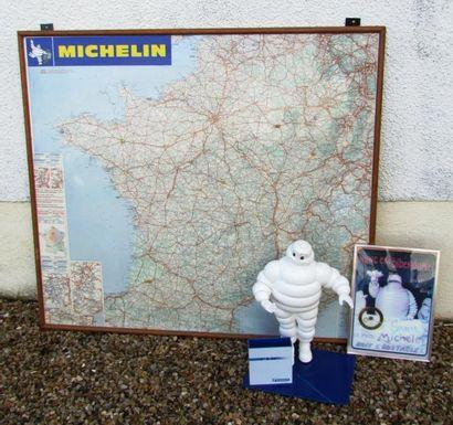 Lot MICHELIN comprenant une carte de France,...