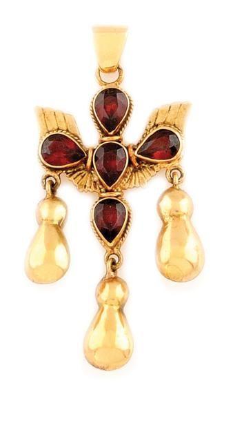 Pendentif Croix du Saint Esprit en or jaune...