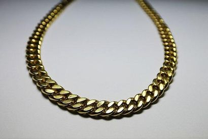 COLLIER en or jaune, maille lisse style gourmette...