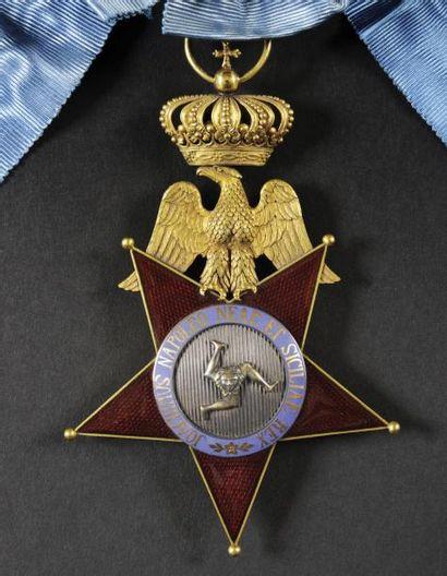 Ordre royal des Deux-Siciles, institué en 1808. Insigne de dignitaire, premier modèle...