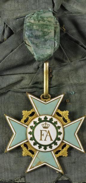 Ordre de la Couronne de Rue, instituée en 1807 - Bijou de chevalier ayant appartenu...