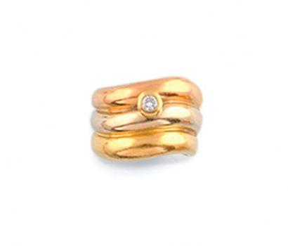 LARGE BAGUE JONC composé de trois anneaux...