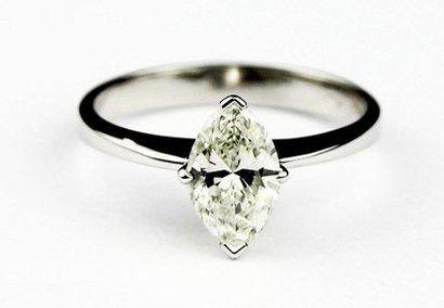 SOLITAIRE en or gris serti d'un diamant de...