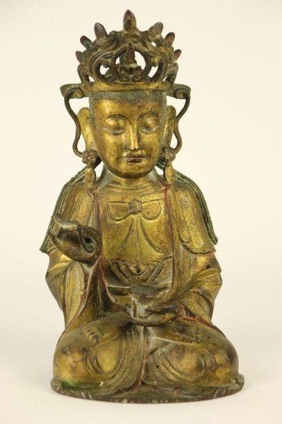 CHINE Bouddha en bronze doré. Haut: 31 cm