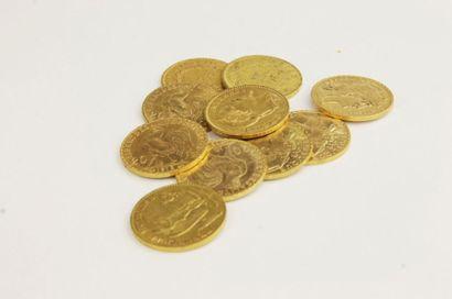 LOT DE PIECES en or jaune composé de pièces...